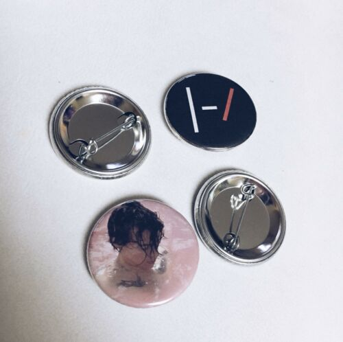 Set of 5 Alessia Cara Pinback Buttons