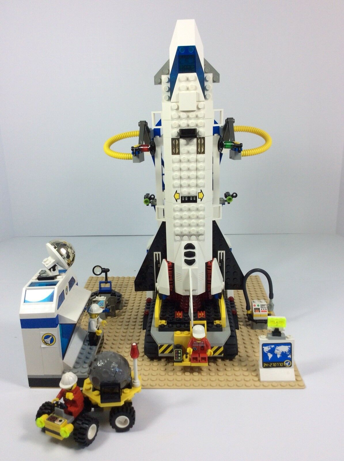 Lego System Mission Control ( 6456) 6456) 6456) 100% Pieces Complete w/ Box and Instructions d7a733