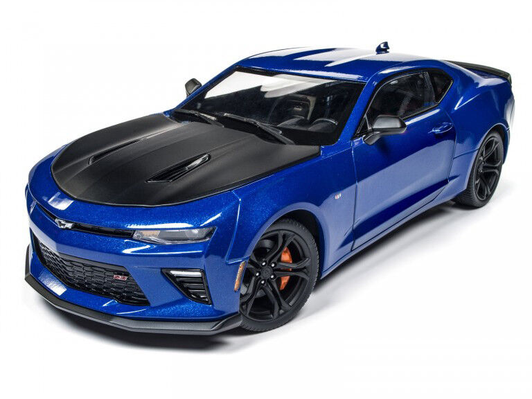 AUTOWORLD DR2AW241 1 18 2017 Chevy Camaro SS 1LE