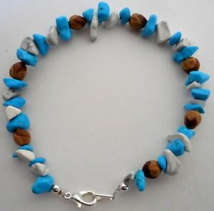 Navajo-Indian-Ghost-Cedar-Beads-Juniper-Berry-White-amp-Blue-Turquoise-Bracelet