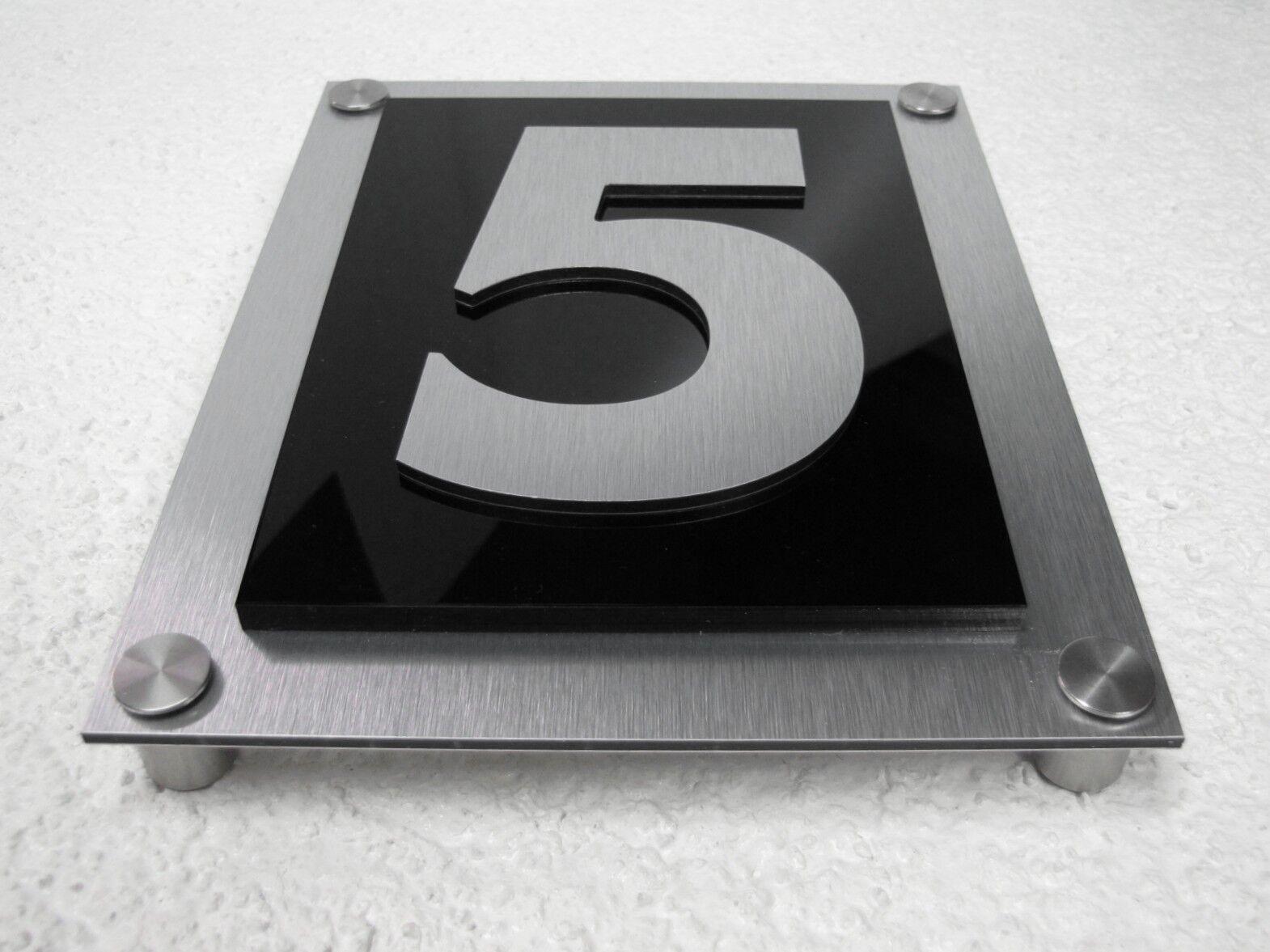 Hausnummer in Edelstahloptik mit 6 mm Plexiglas und einer Zahl 1 2 3 4 5 6 7 8 9