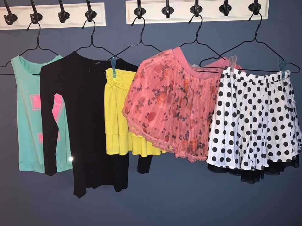 Blandet tøj, Nederdele, 1 cardigan og 1 sportstop