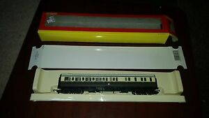 OO-Model-Railway-Hornby-R4066B-GWR-Brake-Coach-039-4940-039-boxed