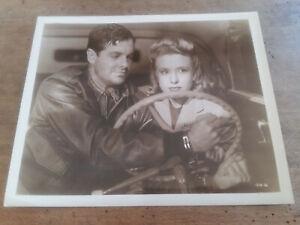 Photo-Robert-CUMMINGS-Priscilla-LANE-CINQUIEME-COLONNE-Saboteur-HITCHCOCK-1942