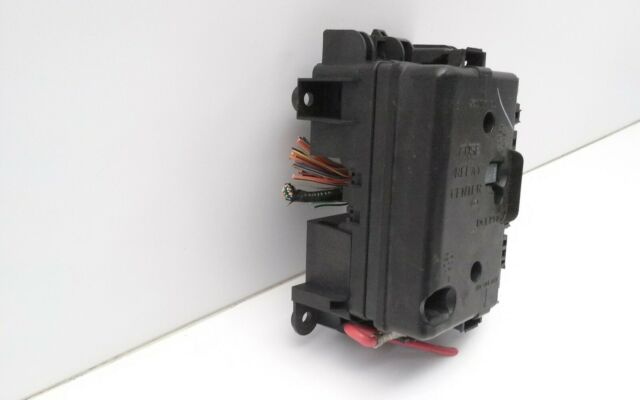 2004 Isuzu Ascender Fuse And Relay Box Oem 8151975290