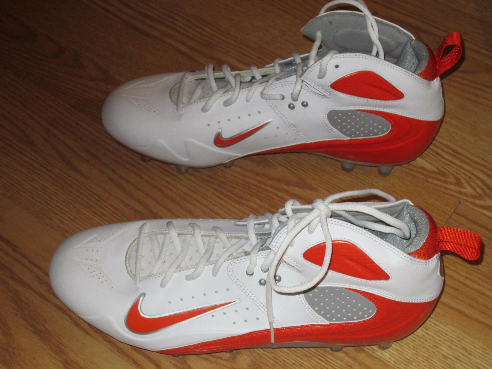 Nike Nike Nike Zoom sneakers white w/ orange swoosh 13.5 football baseball golf   CLEATS d7d9ca