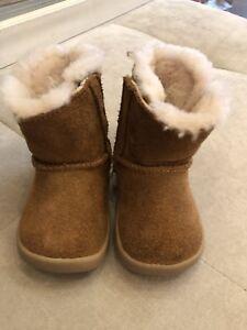 f950dea2f0e Ugg Chestnut Beige Short Boots Size 0-1 S/n 1017755I Baby Boy Girl ...