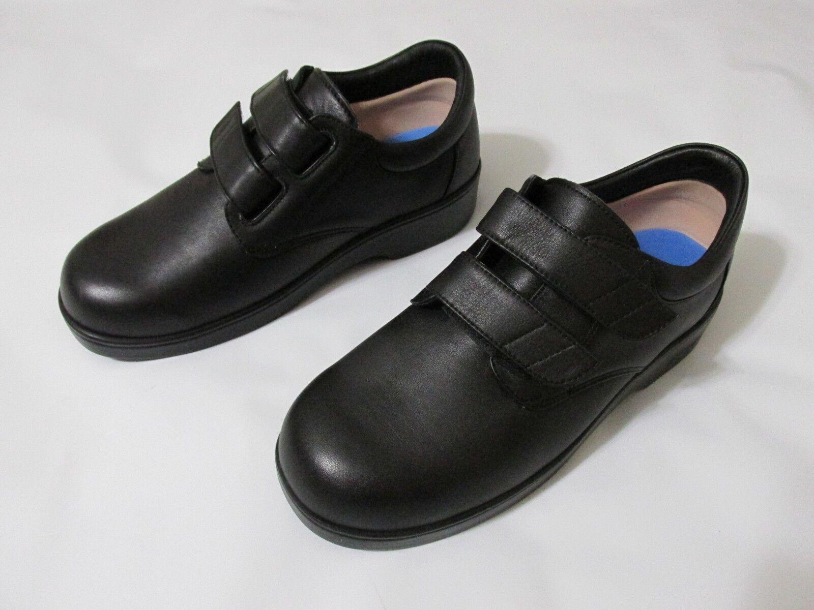 Apex Ambulator Men's Diabetic shoes, Men's US shoes Size  7.5 WIDE, MSRP   144.95