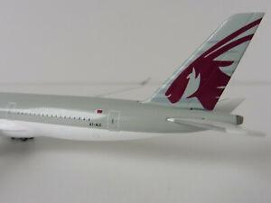 Airbus-A350-900-QATAR-AIRWAYS-1-500-Herpa-530675-A350-XWB-A7-ALC-DOHA
