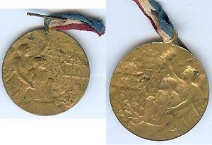Insigne-de-journees-1914-1918-Journee-regions-liberees-femmes-ancre-metal-dore