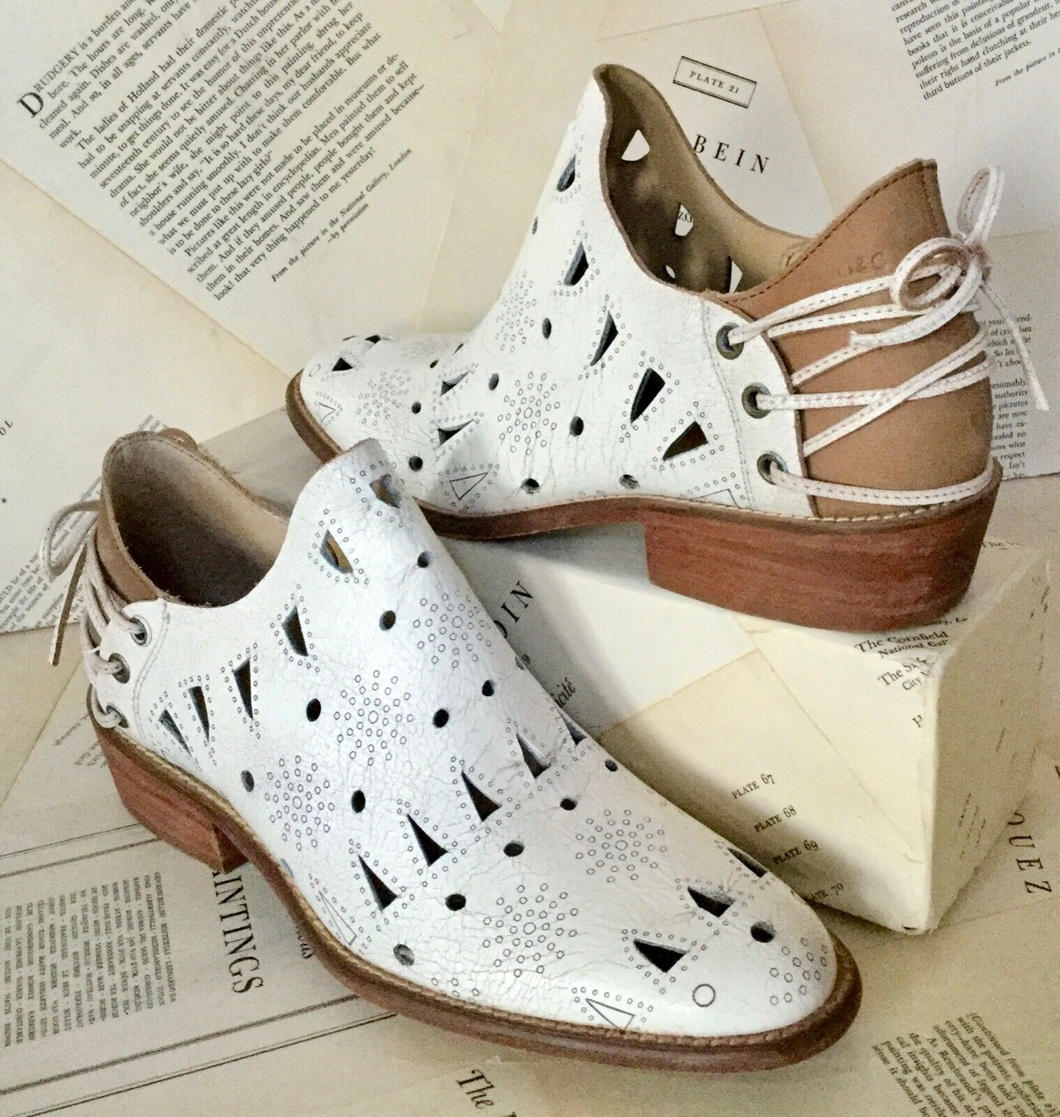 New Musse Cloud bianca  Cut Out Back Lace Up scarpe avvio Bought a Free People 9  popolare