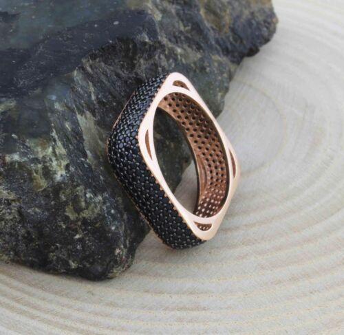 925 Sterling Silver 5 Row Square éternité anneau avec pierres noires