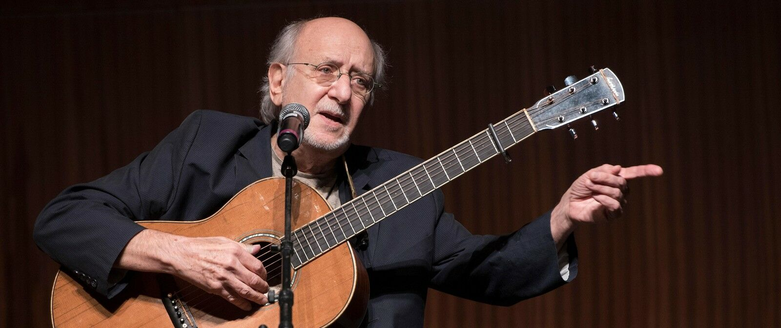 Peter Yarrow and Noel Paul Stookey of Peter, Paul and Mary
