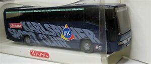 Wiking-1-87-Mercedes-Benz-O-404-RHD-Reisebus-OVP-71410-KSC-Karlsruher-Sport-Club