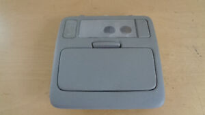 Interruptor-Techo-Solar-Estuche-Gafas-LUZ-INTERIOR-Toyota-RAV4-II-ANO-bj-00-06