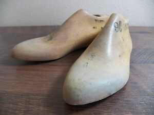 Childrens Wood Wooden 1 Pair SIZE 9 D Dress Shoe Lasts Molds Cobbler 3475