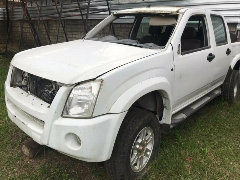 2011 Isuzu KB240 D-Cab Dteq shape NOW STRIPPING FOR SPARES