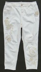 NEW-SO-SLIMMING-by-CHICO-S-White-Embroidered-Girlfriend-Ankle-Jeans-2-5-US-L-14