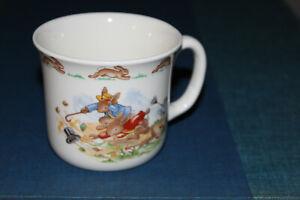 Royal-Doulton-Bunnykins-Windy-Day-One-Handled-Cup-1984-Fine-Bone-English-China