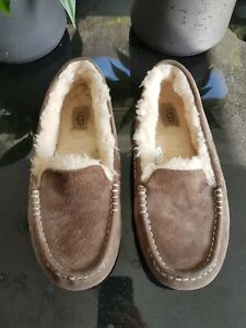 UGG-Australia-Moccasin-Chocolate-Brown-Suede-Slippers-Size-7-5-EU-40