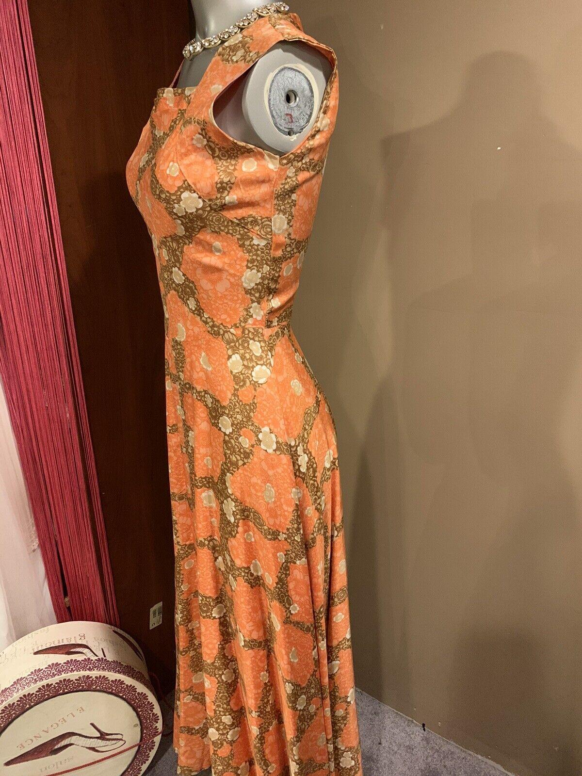 Elegant 1940's Fabulous Dress - image 5