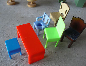 Lot Of Vintage Plastic Dollhouse Furniture Table And Many Chairs