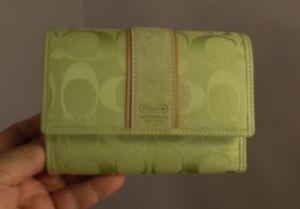 Canvas Compact Coach Sig Clutch NeonGreen Nwt Auth Wallet Cc sdthrQ