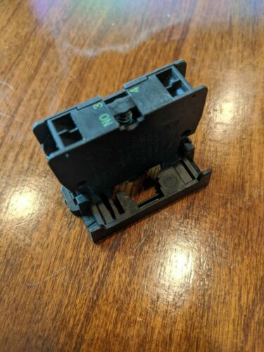 1PCS Eaton Moeller M22-CK10 M22CK10 NO Contact Used ***Make An Offer***