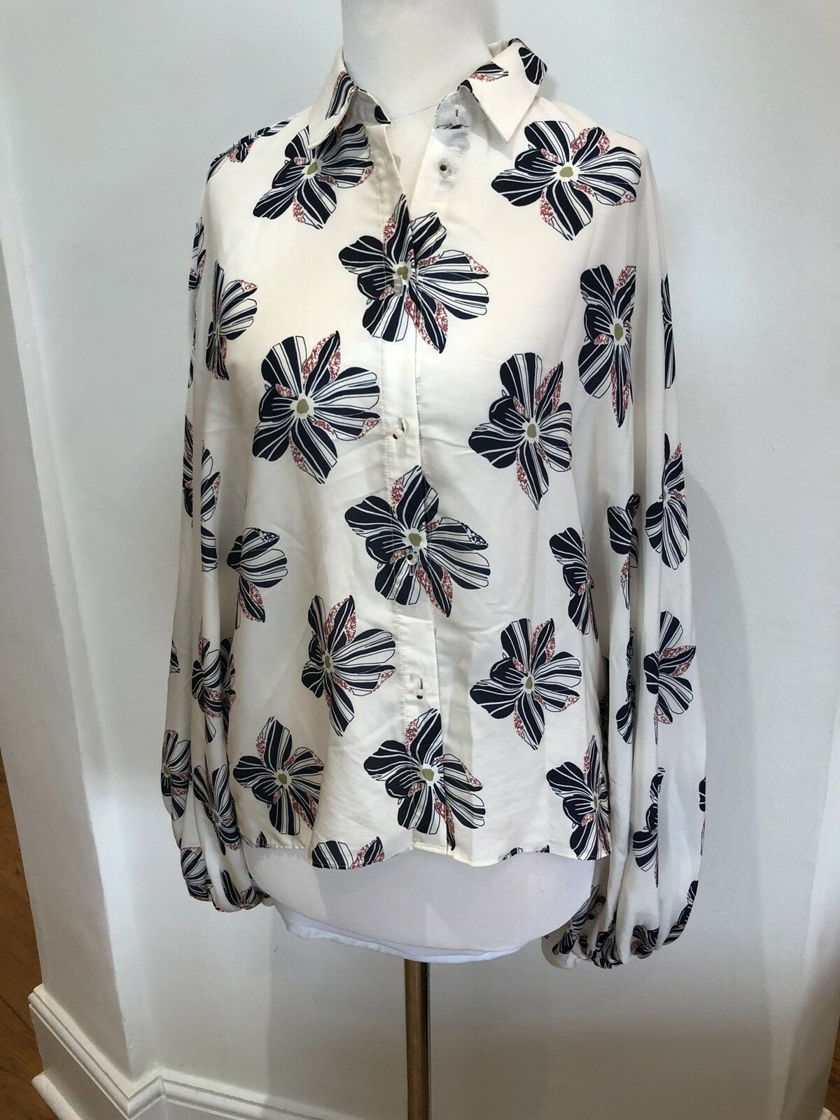 Alexis Beige Shirt With Flower Print S