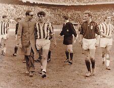 Calcio-Football Foto Azione Milan-Juventus 1963, Salvadore-Sivori-Emoli-David
