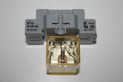Idec RH3B-U Relay 3PDT with Idec SH3B-05 Base 120 VAC 120VAC Coil