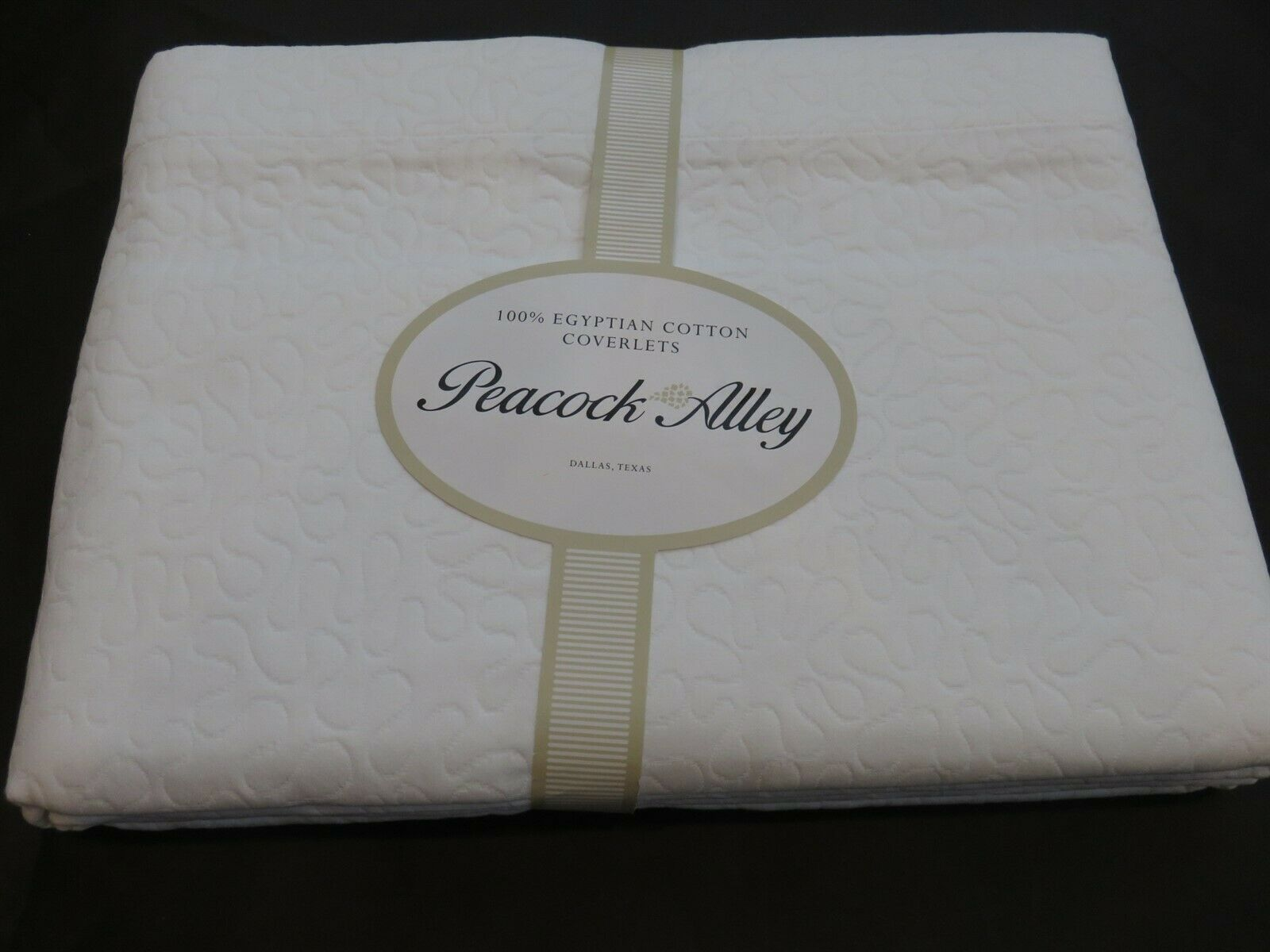 Peacock Alley Emilia Swirl Stitch Weiß Quilted Coverlet New