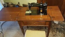 Vintage 1947 Singer 15-90 Sewing Machine Mint