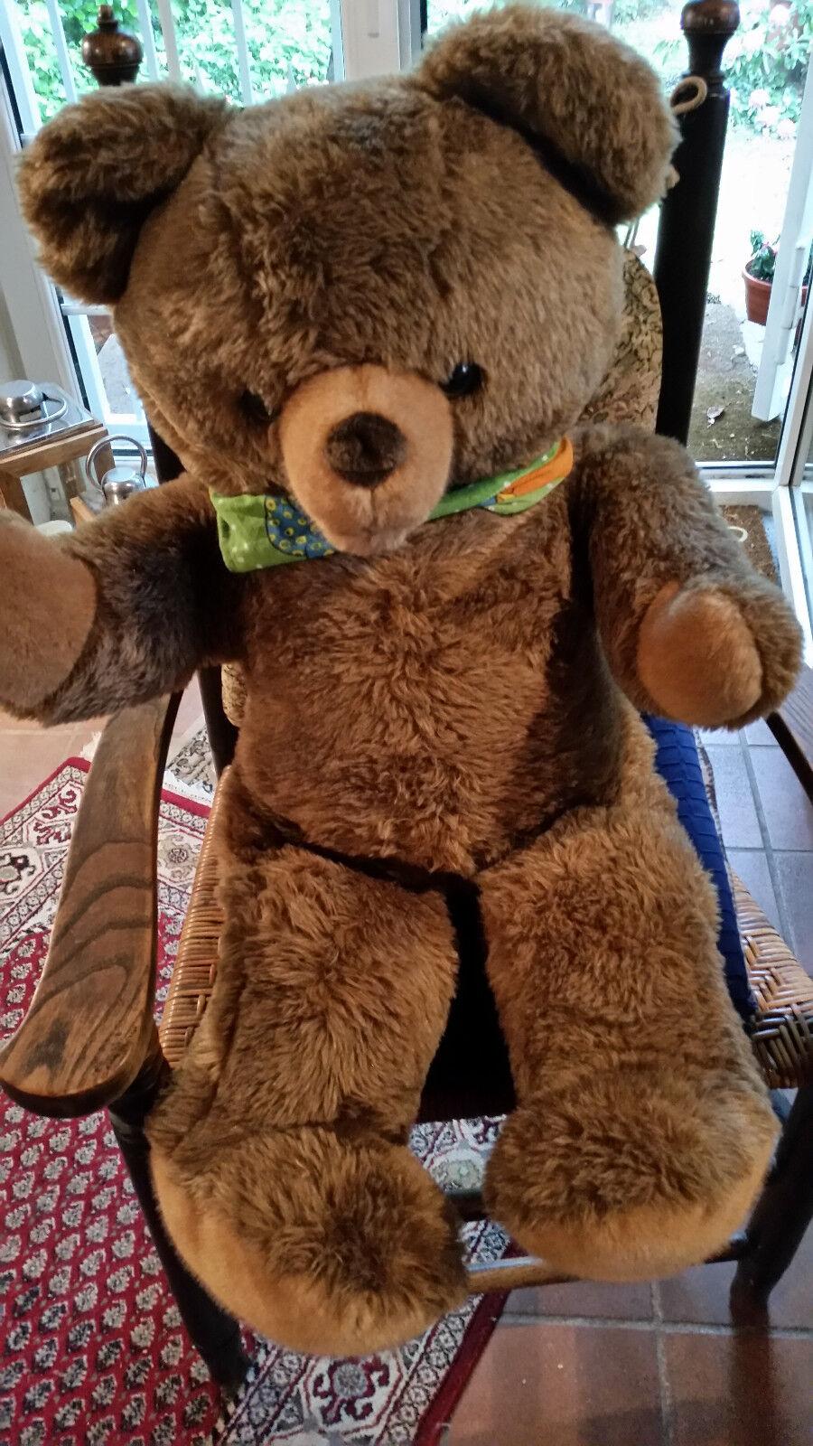 Teddybär - ca.90 cm - dunkelbraun - hellbraune Tatzen und Nase - unbespielt