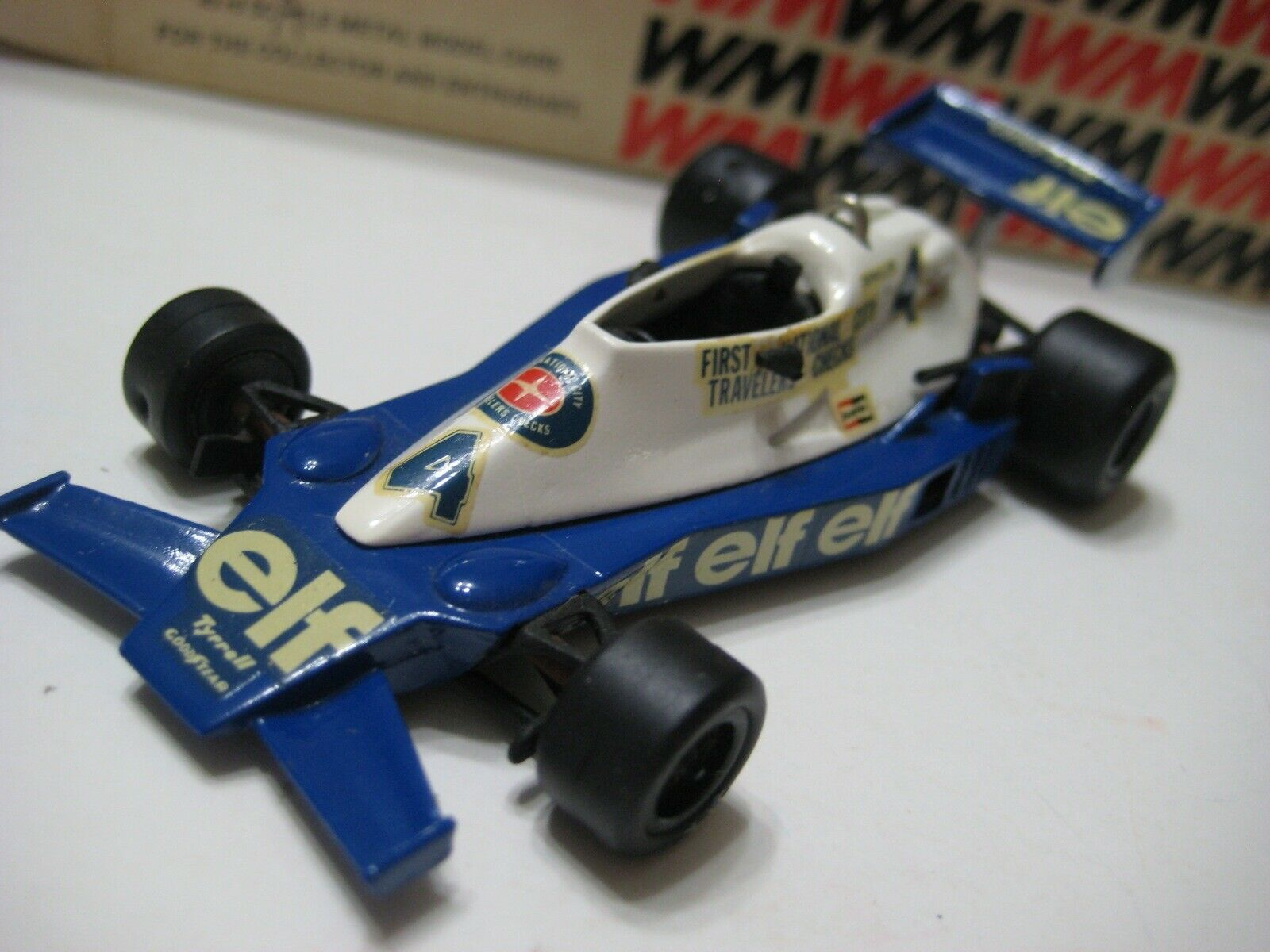 Modelo occidental, Duende azul y blancoo Terrill 008, 1978, tallado 1  43 puntas.