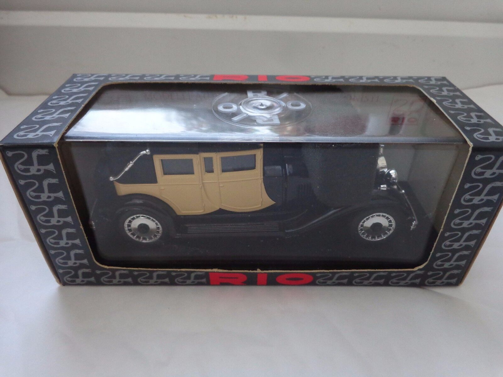 RIO 1 43 - REF 66 - BUGATTI 41 ROYALE 1927-33 DIECAST MODEL CAR IN BOX
