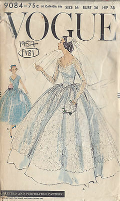 1957 Vintage VOGUE Sewing Pattern B36 BRIDAL GOWN & BRIDESMAID DRESS (1181)