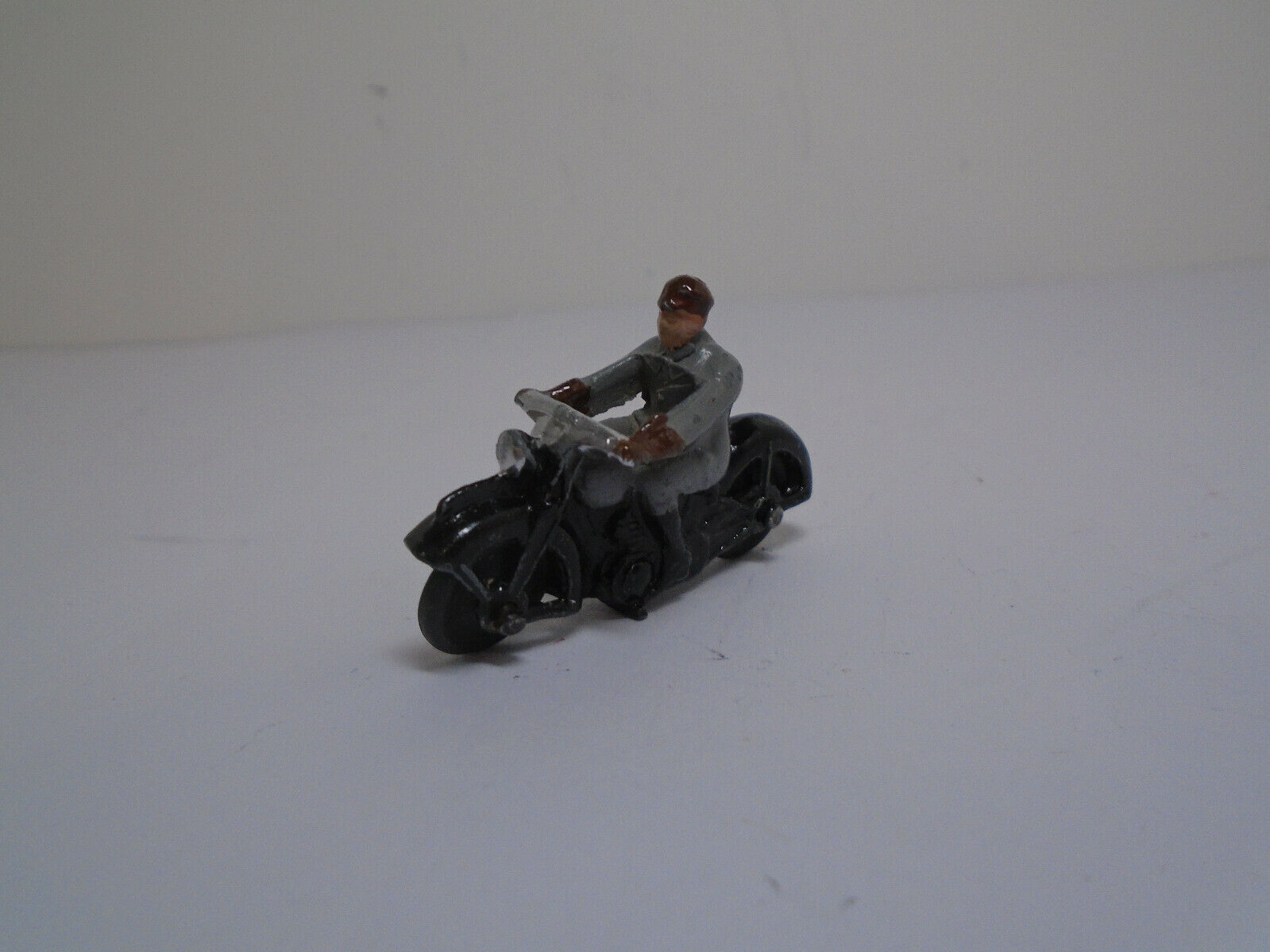 Meccano Ltd.Dinky Toys #37A-G VERSION 9 CICVILIAN MOTORCYCLIST. REFURBISHED..NM