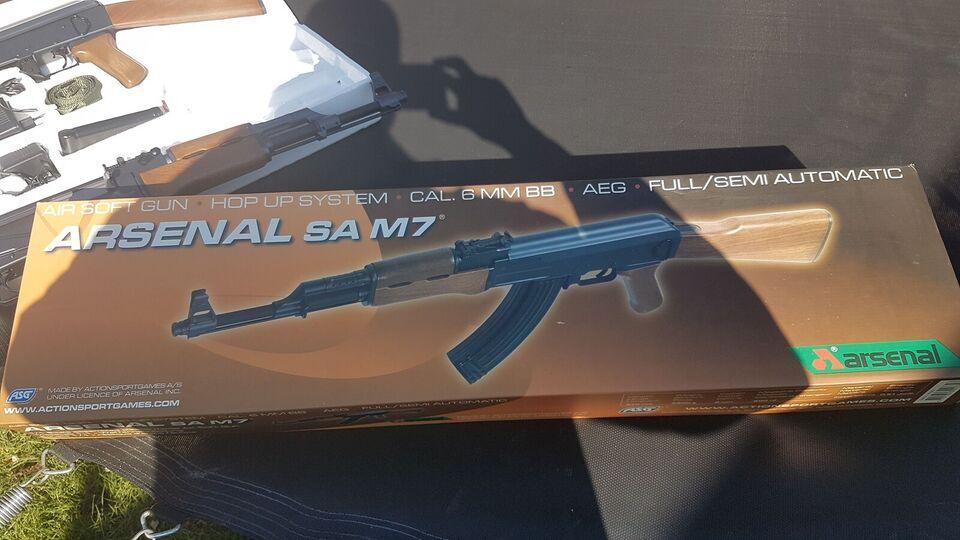 Softgun, Arsenal SA M7