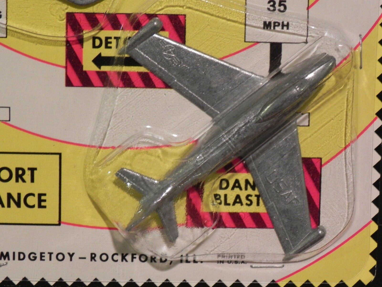 MIDGETOY VINTAGE DIE-CAST 2 AIRPLANES AIRPLANES AIRPLANES NEW ON CARD - NAVY & USAF NOS - Free Ship 2b3d3b