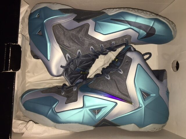 NIKE LEBRON 11 GAMMA blueE BASKETBALL SHOES