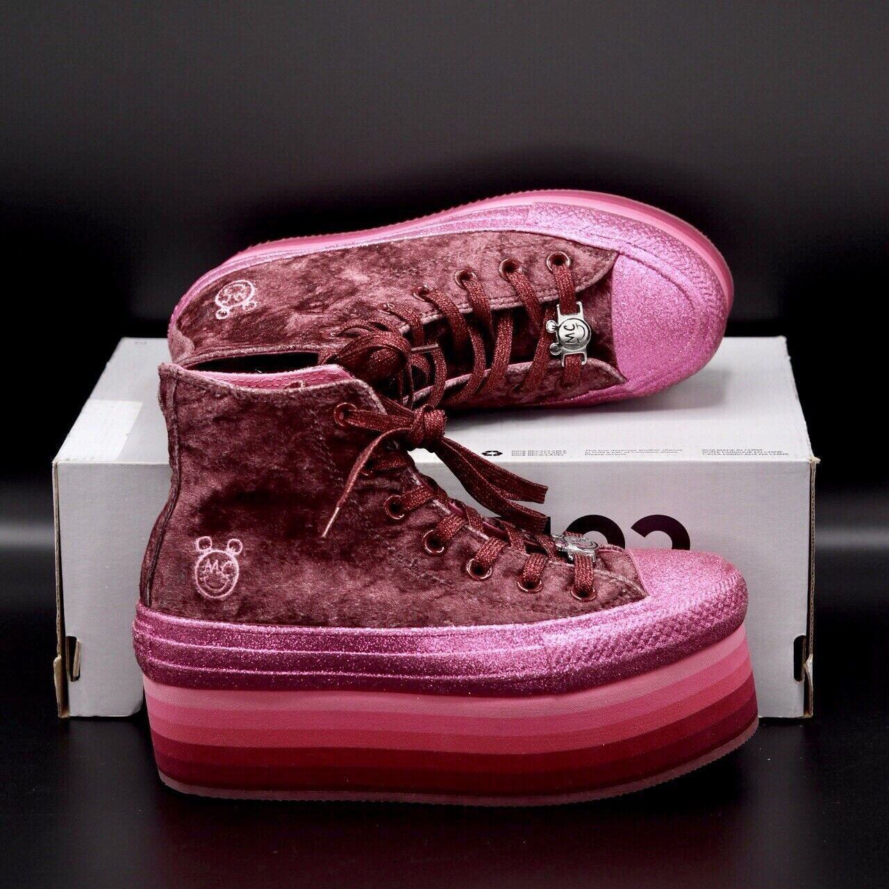 Converse Miley Cyrus Chuck Taylor All Star Platform High Top velvet Women Sz 6