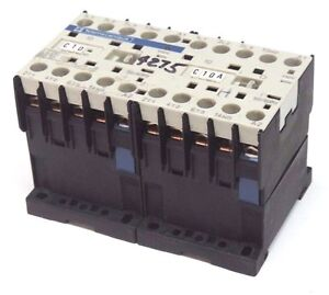TELEMECANIQUE-LC2-K0610-REVERSING-CONTACTOR-600V-20AMP-LC2K0610