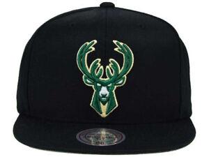 quality design 100c8 68016 Mitchell   Ness Milwaukee Bucks NBA Snapback Cap, One Size - Black