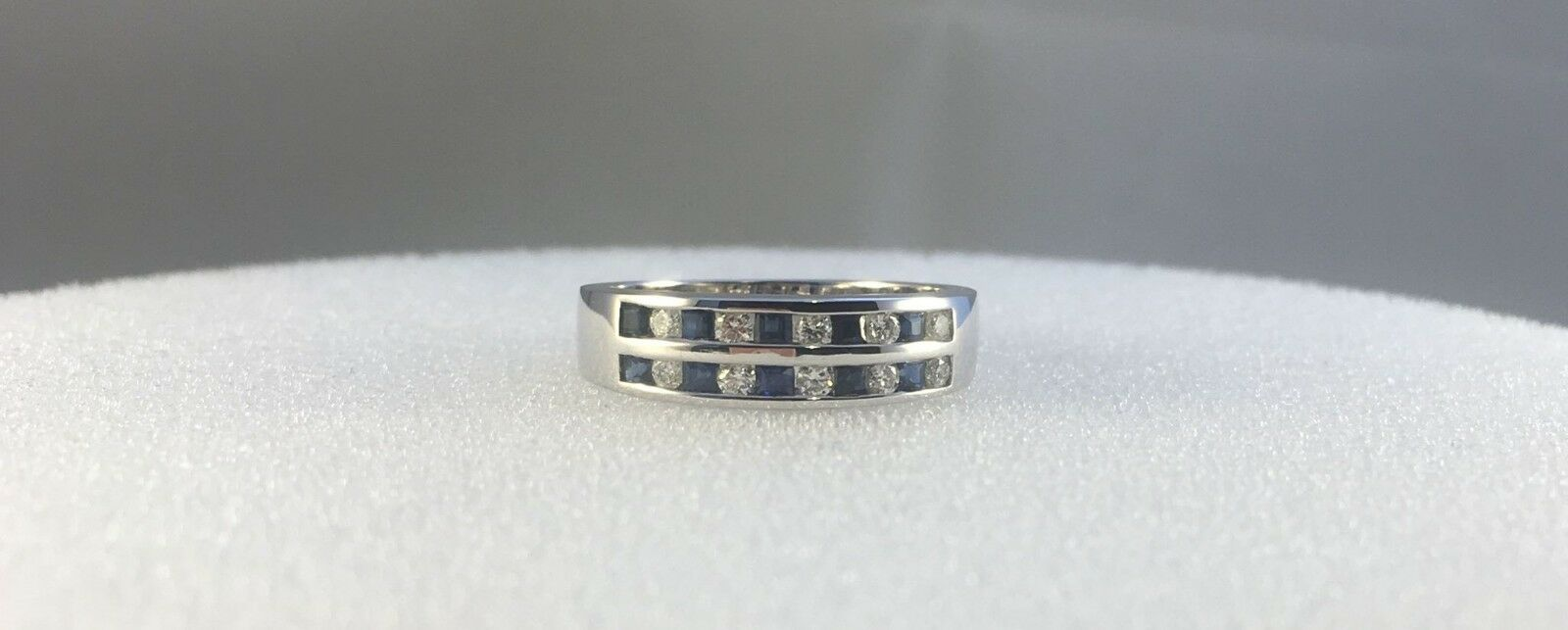 18ct White gold 0.15ct Diamond & 0.15ct Sapphire Two Row Ring  Size N  3.5g  NEW