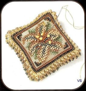 Mill-Hill-Magnetic-Beaded-and-Stitched-Linen-Kit-Pin-Pillow-STARLIGHT-LILY-2