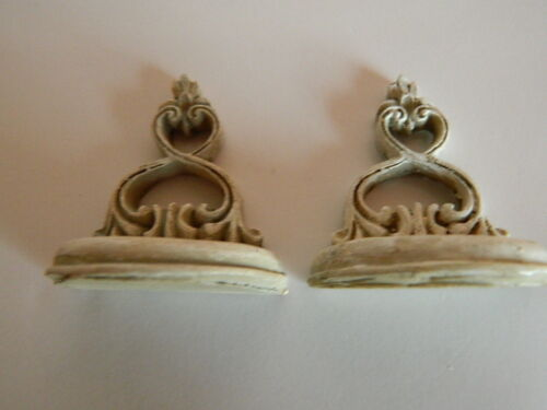 G3.28 1//12TH SCALE DOLLS HOUSE DECORATIVE RESIN SHELVES
