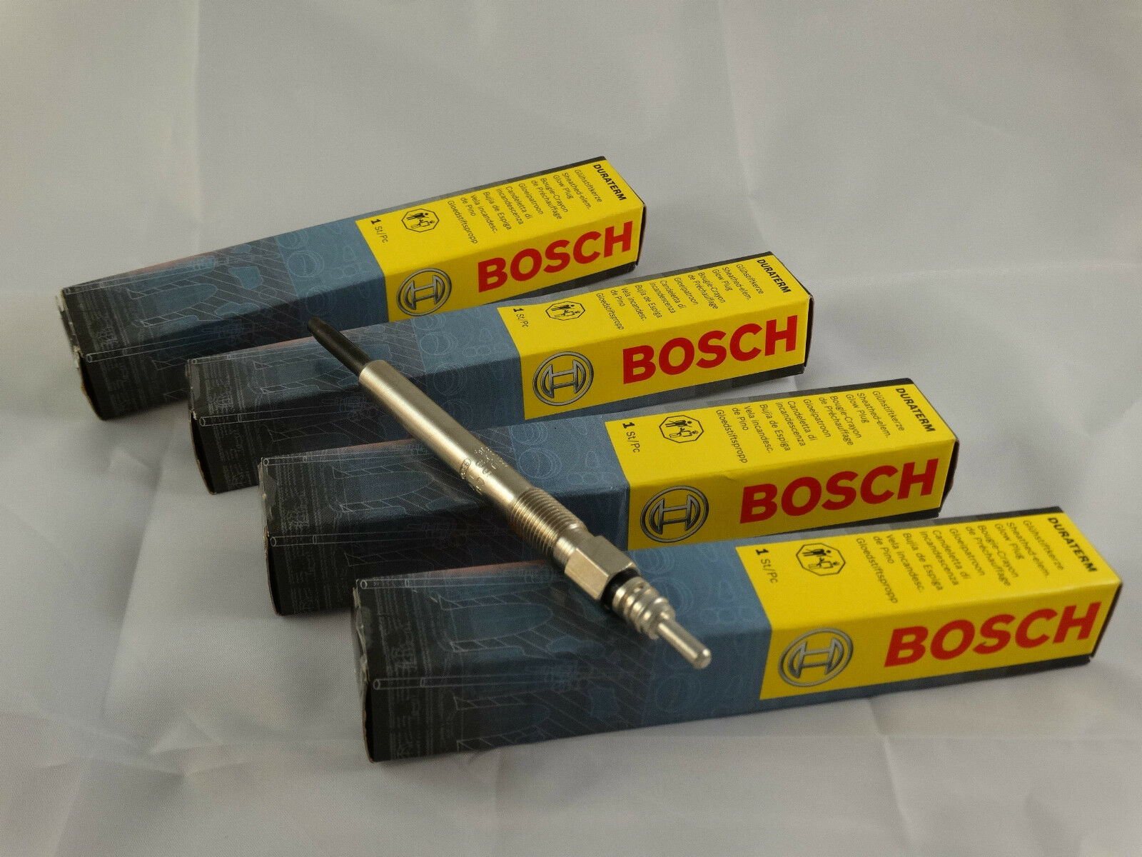 BOSCH Glow Plug Fits JEEP CHRYSLER Cherokee Voyager IV 5066840AA GN055