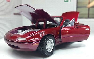 1:24 Echelle Rouge Foncé Mazda MX5 Mk1 Eunos Cabriolet Miata Motormax Model Car