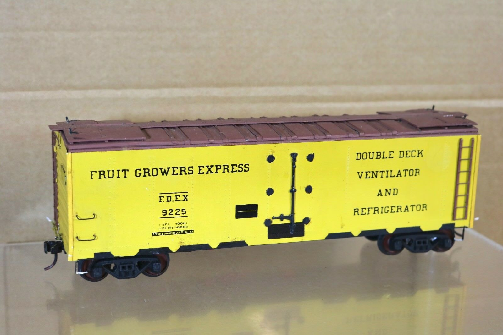ALL NATION VINTAGE KIT BUILT WOOD O SCALE FRUIT GROWERS EXPRESS REFFER WAGON